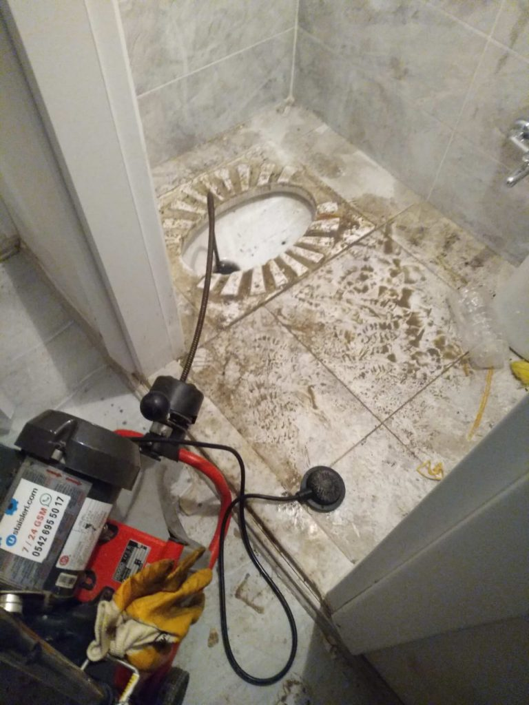 Tuvalet Tıkanıklığı Nasıl Açılır?